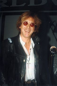 image of Peter Criss found at http://commons.wikimedia.org/wiki/File:Peter_Criss_1995.jpg